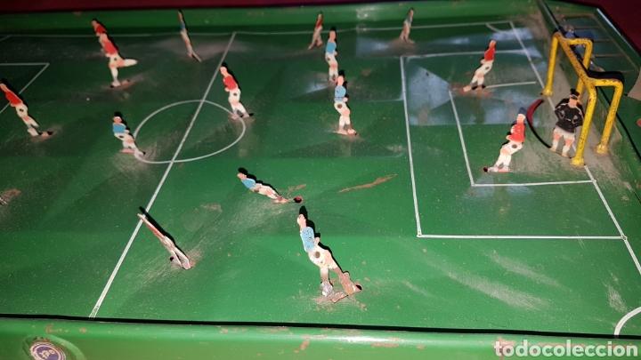 Juguetes antiguos de hojalata: Antiguo futbolin hojalata y alambre oet - Foto 2 - 184100836