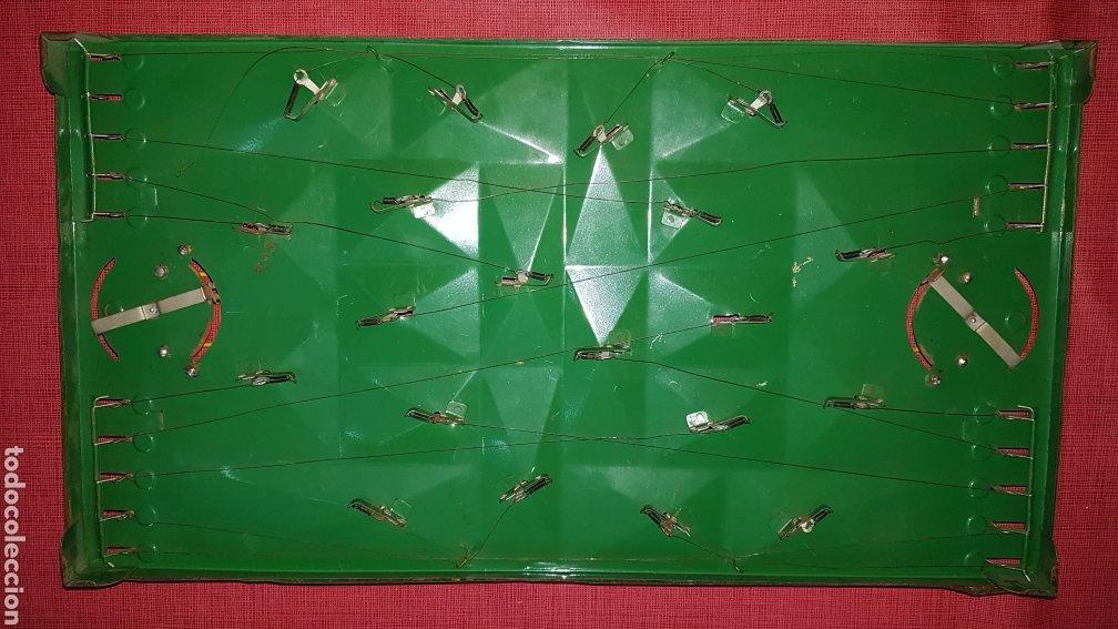 Juguetes antiguos de hojalata: Antiguo futbolin hojalata y alambre oet - Foto 5 - 184100836