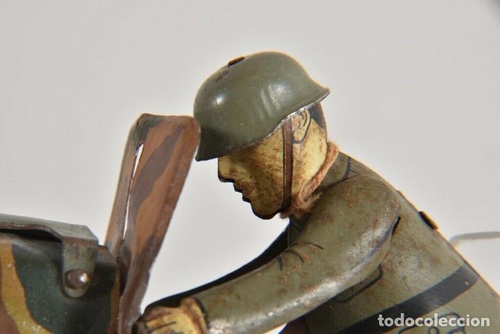 Juguetes antiguos de hojalata: ANTIGUA RARISIMA ARNOLD ESCASA MOTO HOJALATA CUERDA 1º GUERRA MUNDIAL ALEMANIA FIRMADA VER FOTOS - Foto 6 - 184810143