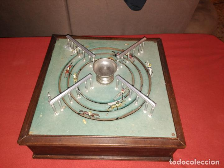 Juguetes antiguos de hojalata: ENORME ANTIGUO JUEGO CARRERAS CABALLOS AÑO 1910 CAJA MADERA NOBLE GRAN TAMAÑO 51X51 cm .2710.00 EUR. - Foto 15 - 181430765