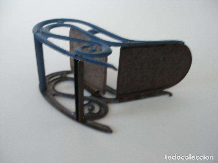 Juguetes antiguos de hojalata: Mecedora hojalata litografíada Rico R.S.A. años 30 - Foto 8 - 186162333