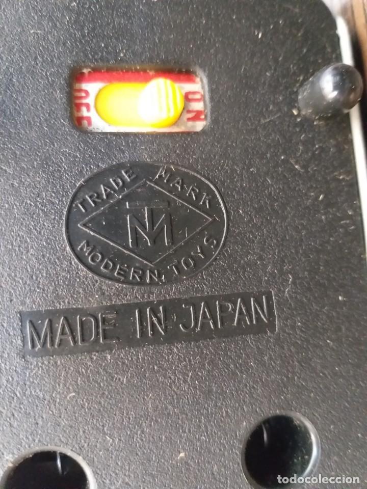 Juguetes antiguos de hojalata: antigua locomotora hojalata blue streak express trade mark modern toys made in japan funcionando - Foto 8 - 186437385