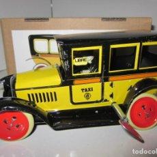 Brinquedos antigos de folha-de-Flandres: JUGUETE HOJALATA PAYA: TAXI AMARILLO **REPRODUCCIÓN 1905** A ESTRENAR. Lote 188465628
