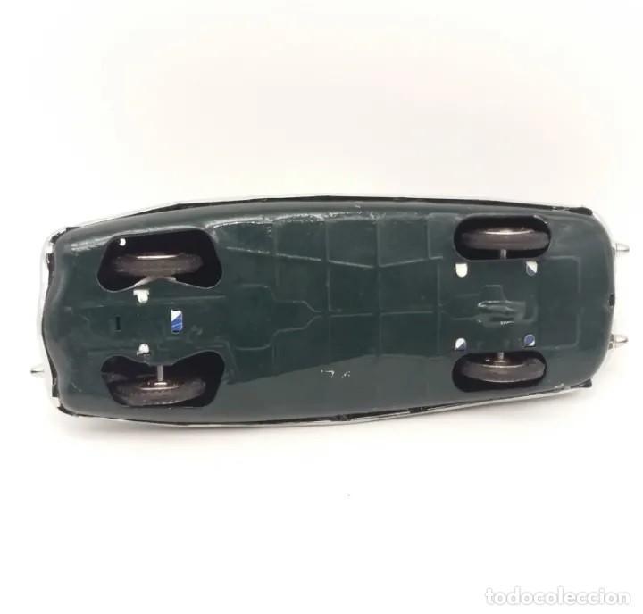 Juguetes antiguos de hojalata: Coche a fricción Packard verde Payá funcionando correctamente - Foto 5 - 190758982