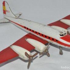 Juguetes antiguos de hojalata: AVIÓN DC-3 DE RICO, AEROPLANO, IBI. Lote 190897836