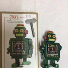 Juguetes antiguos de hojalata: ROBOT VERDE - 10X6 CM. -MARCA N R. Lote 191460888