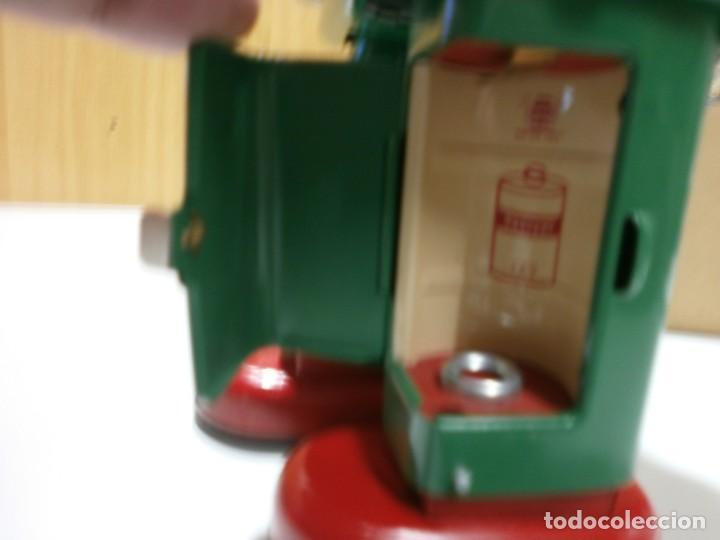 Juguetes antiguos de hojalata: robot de hojalata smoking space man de ha ha toy como nuevo funcionando mide 31 cm - Foto 8 - 191484777