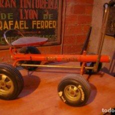 Juguetes antiguos de hojalata: COCHE SAUQUILLO. Lote 192076160