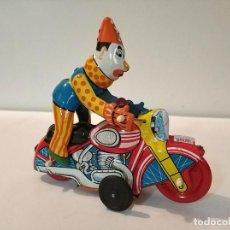 Juguetes antiguos de hojalata: JUGUETE HOJALATA MS 629 CLOWN ON A MOTORCYCLE EN CAJA. Lote 193232450
