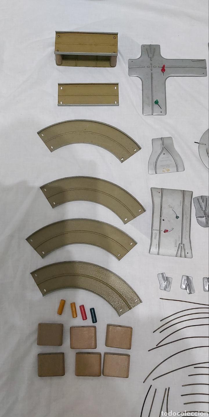 Juguetes antiguos de hojalata: GRAN LOTE SCHUCO VARIANTO 3010. AÑOS 50. CAMION 3042. AMBULANCIA 3043 - Foto 18 - 193735001