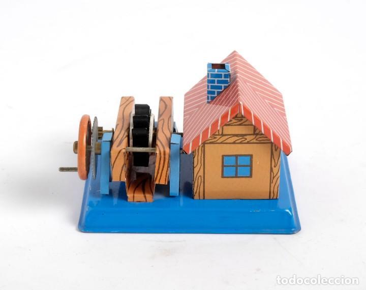 Juguetes antiguos de hojalata: Casa Molino de hojalata. En perfecto estado - Foto 4 - 194081498