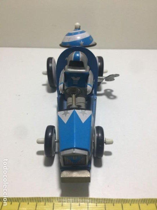 Juguetes antiguos de hojalata: coche de hojalata con funcionamiento a cuerda y timbre - Foto 2 - 194131503