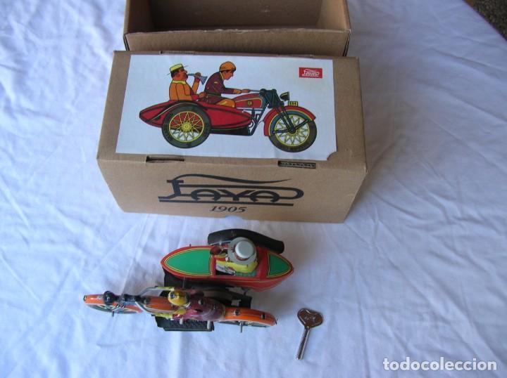 Juguetes antiguos de hojalata: Juguete . Moto con sidecar. Copia china de Payá - Foto 2 - 194276110