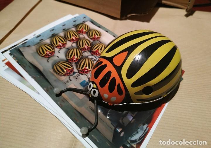 Juguetes antiguos de hojalata: Escarabajo Juguete de Hojalata antiguo cuerda Y fotos fabrica - Foto 2 - 194348255