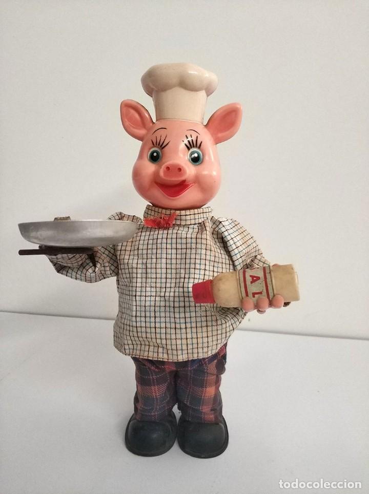 Juguetes antiguos de hojalata: figura cerdo cocinero automata japonés años 50 piggy cook - Foto 2 - 194491801