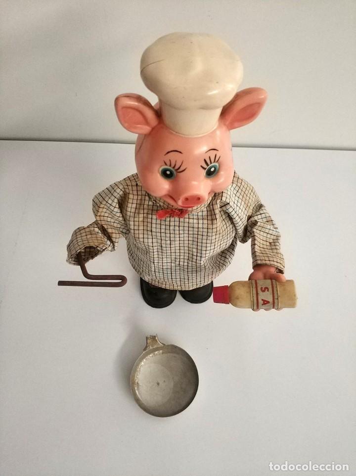 Juguetes antiguos de hojalata: figura cerdo cocinero automata japonés años 50 piggy cook - Foto 3 - 194491801