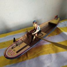 Juguetes antiguos de hojalata: ANTIGUO JUGUETE DE HOJALATA CANOA DE PAYA TOTALMENTE ORIGINAL. Lote 194675742