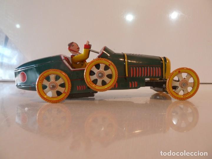 Juguetes antiguos de hojalata: COCHE BUGATTI T-35 RACER. JUGUETE DE HOJALATA - Foto 2 - 194688782