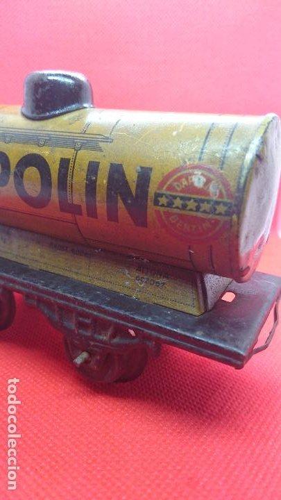 Juguetes antiguos de hojalata: Vagón de tren marca Fandor. Made in Germany 1910 - Foto 5 - 194783037