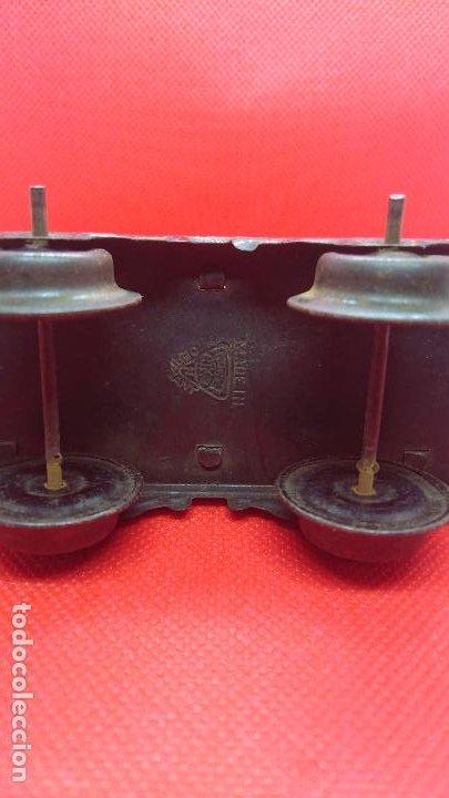 Juguetes antiguos de hojalata: Vagón de tren marca Fandor. Made in Germany 1910 - Foto 8 - 194783037