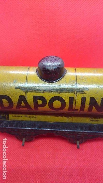 Juguetes antiguos de hojalata: Vagón de tren marca Fandor. Made in Germany 1910 - Foto 10 - 194783037