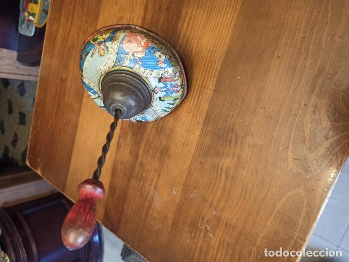 Juguetes antiguos de hojalata: Peonza francesa - Foto 2 - 194927570