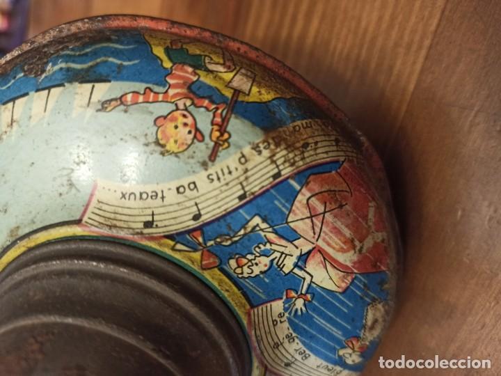 Juguetes antiguos de hojalata: Peonza francesa - Foto 6 - 194927570