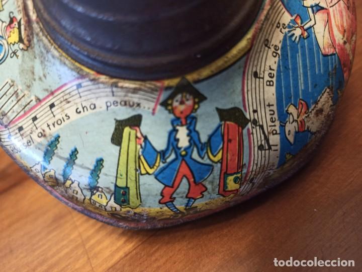 Juguetes antiguos de hojalata: Peonza francesa - Foto 7 - 194927570