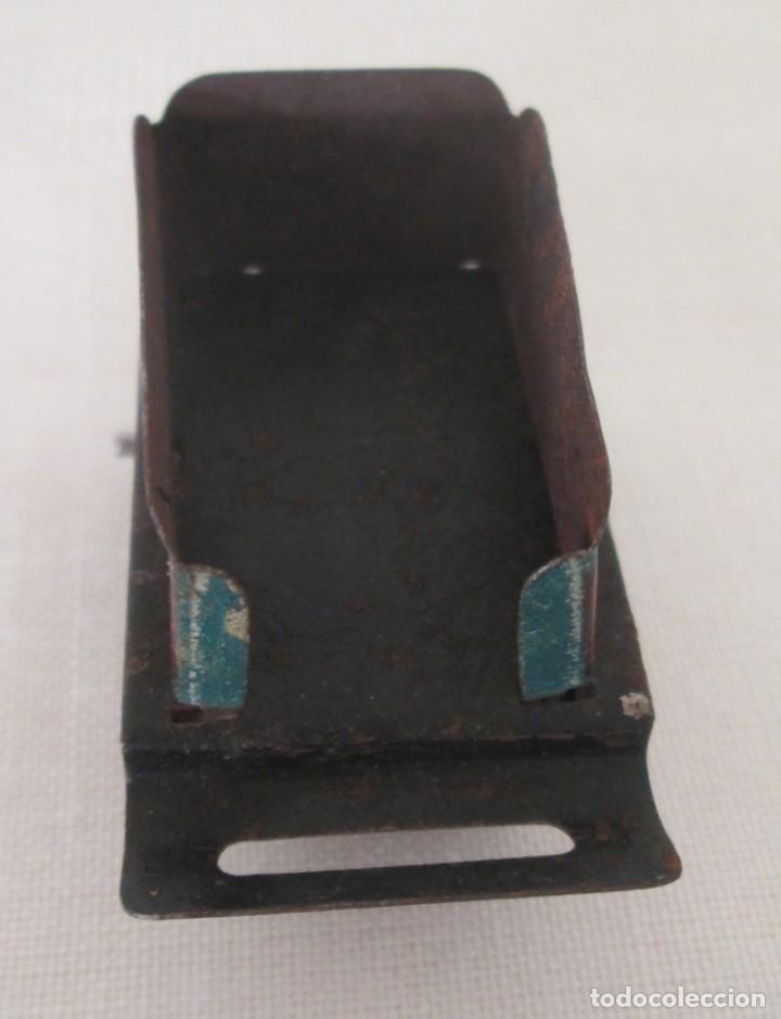 Juguetes antiguos de hojalata: Vagón tender o carbonera en hojalata litografiada de antiguo pequeño tren - Foto 5 - 195121733