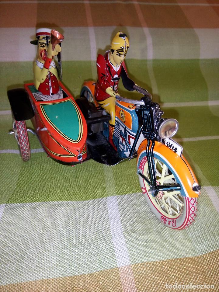 Juguetes antiguos de hojalata: MOTO CON SIDECAR DE HOJALATA. FUNCIONANDO. PERFECTO ESTADO. DESCRIPCION Y FOTOS. - Foto 7 - 195122380