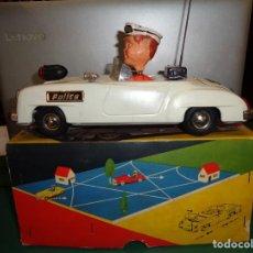 Juguetes antiguos de hojalata: COCHE POLICIA GAMA. Lote 195172967