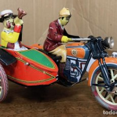 Juguetes antiguos de hojalata: MOTO CON SIDECAR PAYA. REPRODUCCION. EN CAJA. FUNCIONA. Lote 195194763