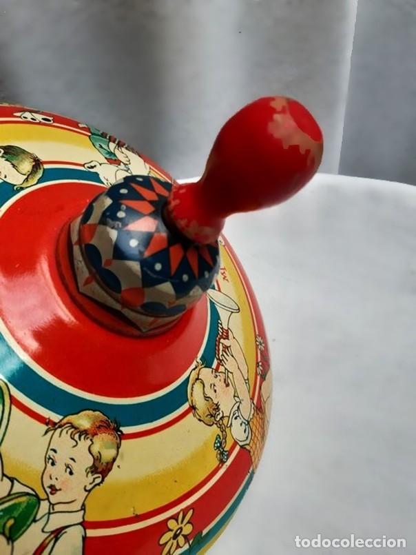 Juguetes antiguos de hojalata: MFZ - AÑOS 40 - ANTIGUO TROMPO - PEONZA GRANDE DE ESPIRAL EN HOJALATA - GERMANI - 20 CM - PERFECTO - Foto 13 - 195261342