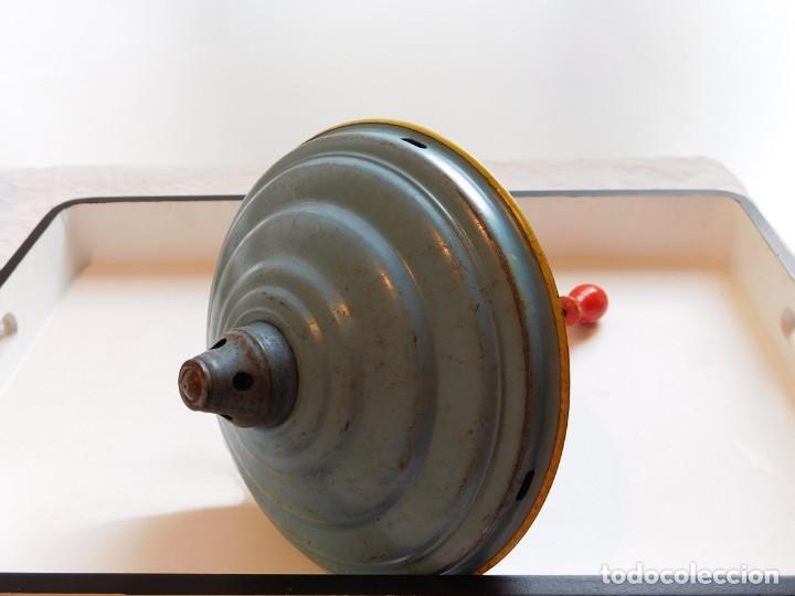 Juguetes antiguos de hojalata: MFZ - AÑOS 40 - ANTIGUO TROMPO - PEONZA GRANDE DE ESPIRAL EN HOJALATA - GERMANI - 20 CM - PERFECTO - Foto 19 - 195261342