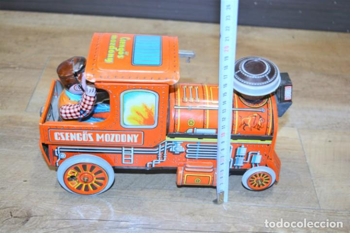 Juguetes antiguos de hojalata: Antigua Locomotora Hojalata Csengos Mozdony Hungria 80,s - Foto 2 - 195311275