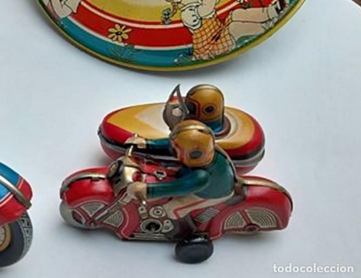 Juguetes antiguos de hojalata: ANTIGUA MOTO SIDECAR CON DOS PASAJEROS - HOJALATA A CUERDA - CON LLAVE - NO ES REPRODUCCIÓN - Foto 14 - 195315216