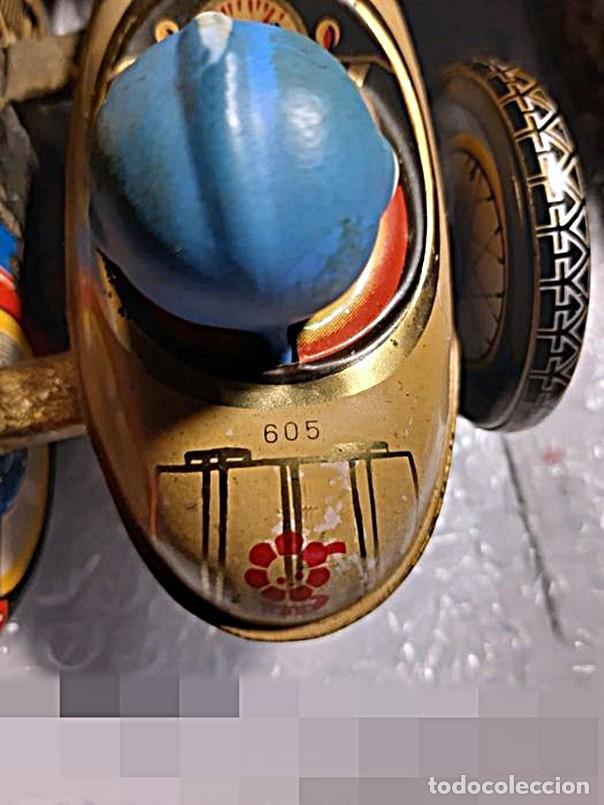 Juguetes antiguos de hojalata: AÑOS 40 ANTIGUA MOTO SIDECAR CON DOS PASAJEROS - HOJALATA A CUERDA / LLAVE - NO ES REPRODUCCIÓN 19CM - Foto 10 - 195340627