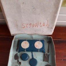 Juguetes antiguos de hojalata: COCINITA CON MENAJE DE LA MECANICA IBENSE. AÑOS 50. Lote 196150438
