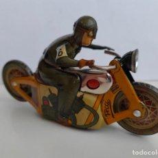 Brinquedos antigos de folha-de-Flandres: . MOTO NO CAE DE PAYA Nº6 . HOJALATA. LEER DESCRIPCIÓN.. Lote 196918470