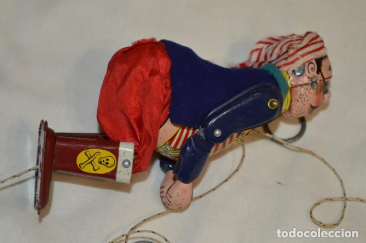 Juguetes antiguos de hojalata: TPS - CLIMBING PIRATE / Made In Japan - Hojalata Litografiada - Funcionando - Años 50/60 ¡Mira! - Foto 4 - 198361428