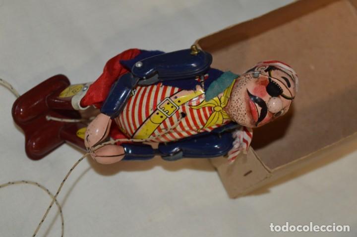 Juguetes antiguos de hojalata: TPS - CLIMBING PIRATE / Made In Japan - Hojalata Litografiada - Funcionando - Años 50/60 ¡Mira! - Foto 12 - 198361428