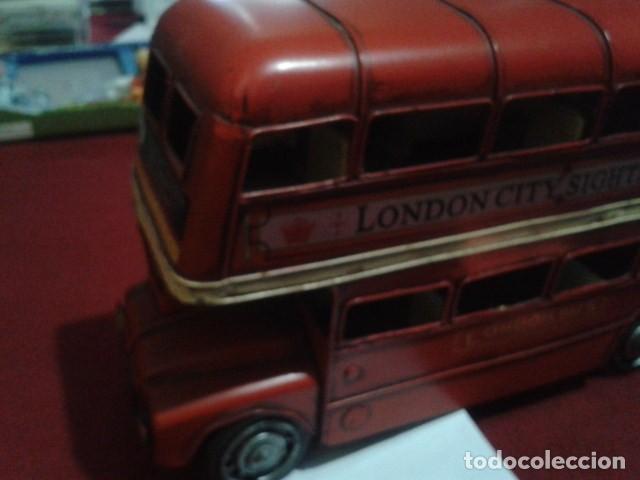 Juguetes antiguos de hojalata: BUS LONDON CITY HOJALATA (ALEX BOG) MIDE 17 CM ALTO - 9 CM ANCHO Y 30 CM LARGO PESA 970 gr - Foto 13 - 199215076