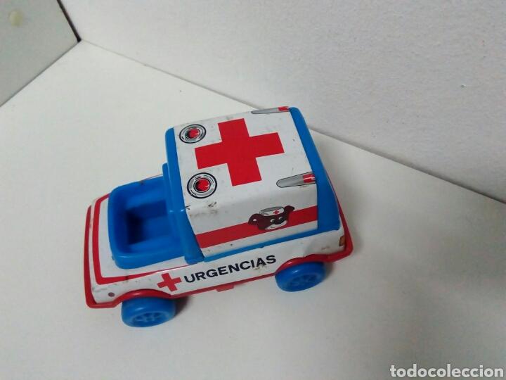 Juguetes antiguos de hojalata: Ambulancia urgencias obertoys - Foto 2 - 201369755