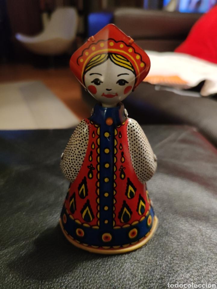 MUÑECA RUSA DE HOJALATA (Juguetes - Juguetes Antiguos de Hojalata Internacionales)
