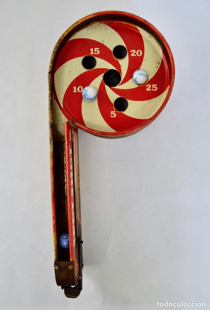 Juguetes antiguos de hojalata: Original Juguete Lanzabolas de Chapa. Spot Shot, Wolverine. E.E.U.U. Pin-ball. Circa 1950 - Foto 6 - 203004928
