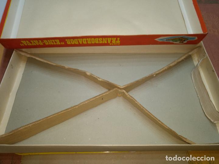 Juguetes antiguos de hojalata: ANTIGUA PISTA CON 2 SEAT 600 A CUERDA ORIGINAL FABRICADO ESPAÑA AÑOS 60 DE PAYVA - Foto 8 - 203283633