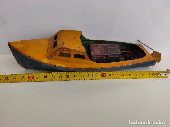Juguetes antiguos de hojalata: Lancha o barca a vapor, posiblemente Hispania o Denia, años 20 o 30. Mide 22 x 7 x 5,5 cms. - Foto 2 - 205699062