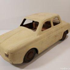 Brinquedos antigos de folha-de-Flandres: ANTIGUO COCHE DE HOJALATA FRANCÉS. Lote 205788285