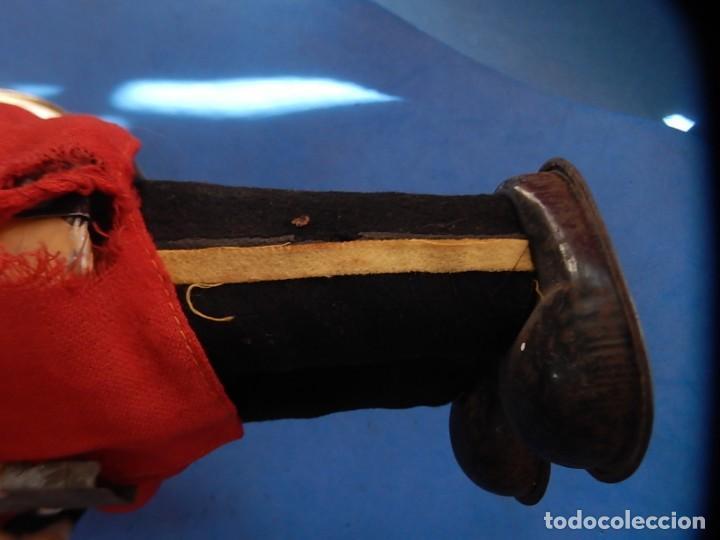 Juguetes antiguos de hojalata: Soldado músico tipo granadero con tambor. Fabricación Japonesa. Japón. - Foto 25 - 206155872