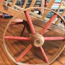 Juguetes antiguos de hojalata: CARRO DE MADERA ARTESANO. AÑOS 30/40. Lote 207269188